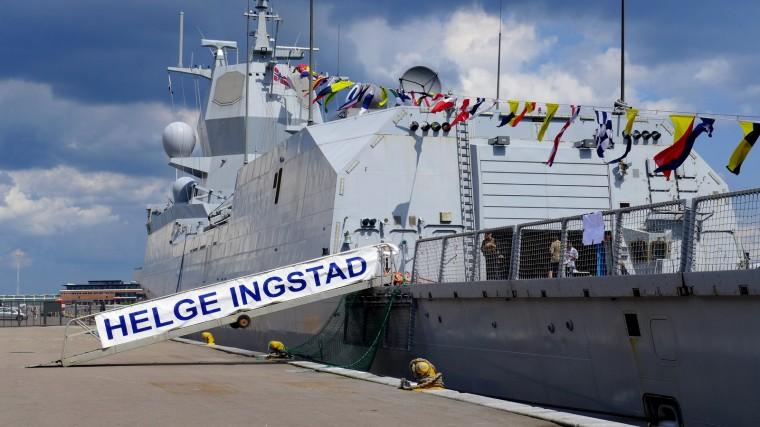2-fregatter 25.05.2014 013